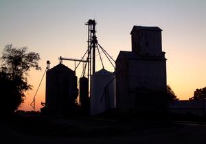 Steuben Township, Warren County, Indiana - Image: Marshfeld, Indiana elevators