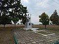 Mass grave of Soviet soldiers in Nova Hnylytsia 2019 by Venzz 02.jpg