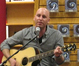 Vertical Horizon - Matt Scannell performing at Borders in support of 2009's Burning the Days.