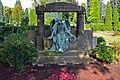 Matthäusfriedhof Essen, altes Grabmal.JPG