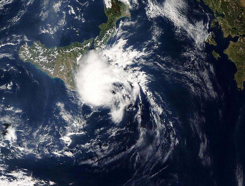 TLC Medicane sud dell'Italia, il 27 ottobre 2005