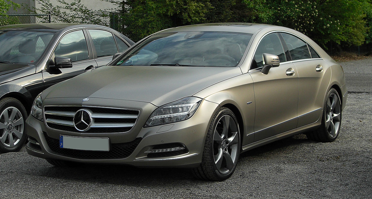 Mercedes-Benz CLS 350 BlueEFFICIENCY Edition 1 (C 218) – Frontansicht (2), 16. April 2011, Düsseldorf.jpg