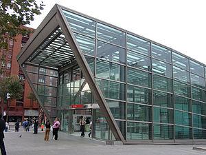 Metro de Bilbao | Introducción e información 300px-Metro_Bilbao_Sarriko_Station
