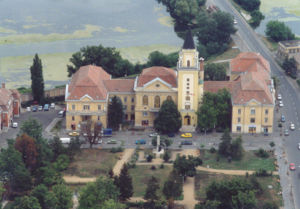 Jász-Nagykun-Szolnok County - Mezőtúr - City hall - aerial photo