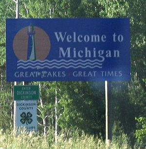 The welcome sign for Michigan on w:U.S. Route 8.