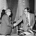 Minister Pronk (Ontwikkelingssamenwerking) en zijn Indonesische ambtgenoot Widjo, Bestanddeelnr 929-1099.jpg