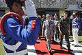 Ministro da Defesa, Celso Amorim, e comandante do Exército, general Enzo Peri, chegam ao Batalhão da Guarda Presidencial para cerimônia de posse do general Vilela (7945389322).jpg