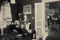 Minna Cauer in ihrem Heim, 1899.png