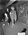 Miss Holland 1956 Rita Schmidt bezoekt textieljaarbeurs Utrecht, Bestanddeelnr 907-6512.jpg