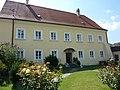 Mitterarnsdorf Pfarrhof.jpg