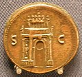 Moneta di nerone con arco trionfale, 65 dc.JPG