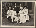 Mr. and Mrs. Theodore Roosevelt and children) - Pach Bros. N.Y LCCN2013651706.jpg