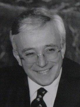 Мугур Исэреску