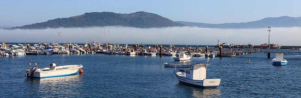 Néboa na costa. Peirao do Freixo de Sabardes. Outes. Galiza