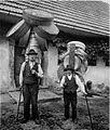 Naši Ribničani odhajajo po svetu s suho robo 1927.jpg