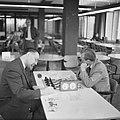 Nederlands kampioenschap schaken schaakkampioen van Nederland Lodewijk Prins (l, Bestanddeelnr 918-5243.jpg