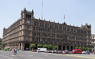 Spanish Colonial Revival architecture - The neocolonial companion building (1940s) to the colonial Mexico City palace of the ayuntamiento (1720s).