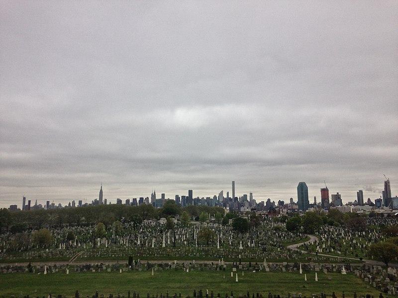 File:New York Skyline With Graveyard.jpg