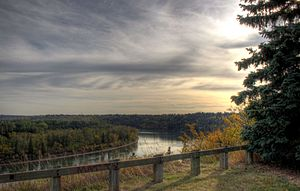 English: North Saskatchewan River valley viewe...
