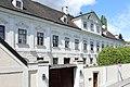 Nussdorf_(Wien)_-_Zwettlerhof.JPG