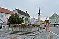 Obernberg aI Marktplatz Brunnen Kirche.jpg
