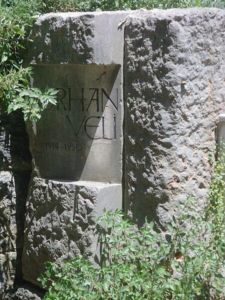 Dosya:Orhan veli tombstone.JPG