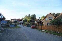 Overview of road in Onšov, Pelhřimov District.jpg