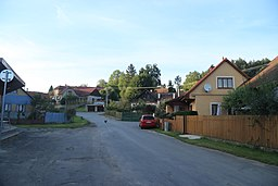 Overview of road in Onšov, Pelhřimov District.jpg