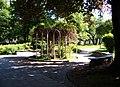 Písek, Husovo náměstí, park.jpg