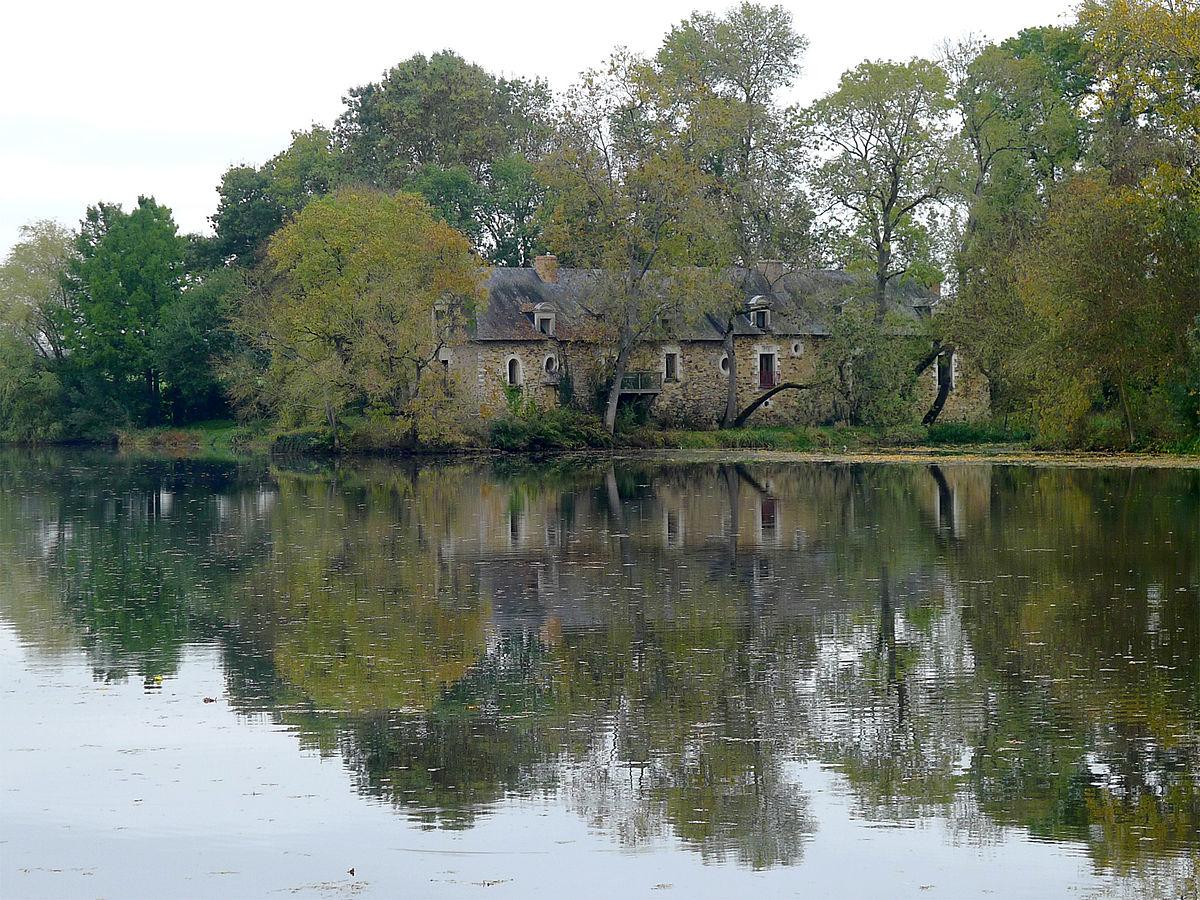 P1280937 Maine-et-Loire maison bord Mayenne rwk.jpg