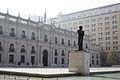 Palacio de La Moneda, Santiago (17116815760).jpg