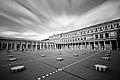 Palais Royal et les Colonnes de Buren.jpg