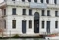 Palazzo Corner della Regina sul Canal Grande dettaglio mascheroni.jpg