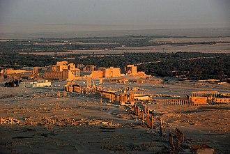 Colonnade - Image: Palmyra, Syria 2