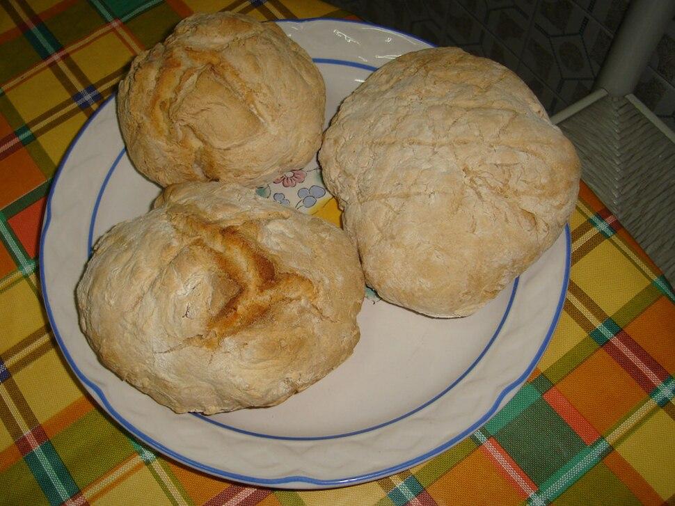 Pan galego de aldea feito na cidade