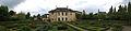 Panoramique - Arrière de la maison de la Reine.jpg