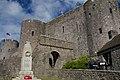 Pembroke Castle (15987700331).jpg