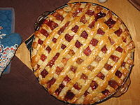 Pie capers strawberry rhubarb pie, July 2007.jpg