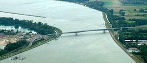 Pierre Pflimlin Bridge - The bridge seen from the north.