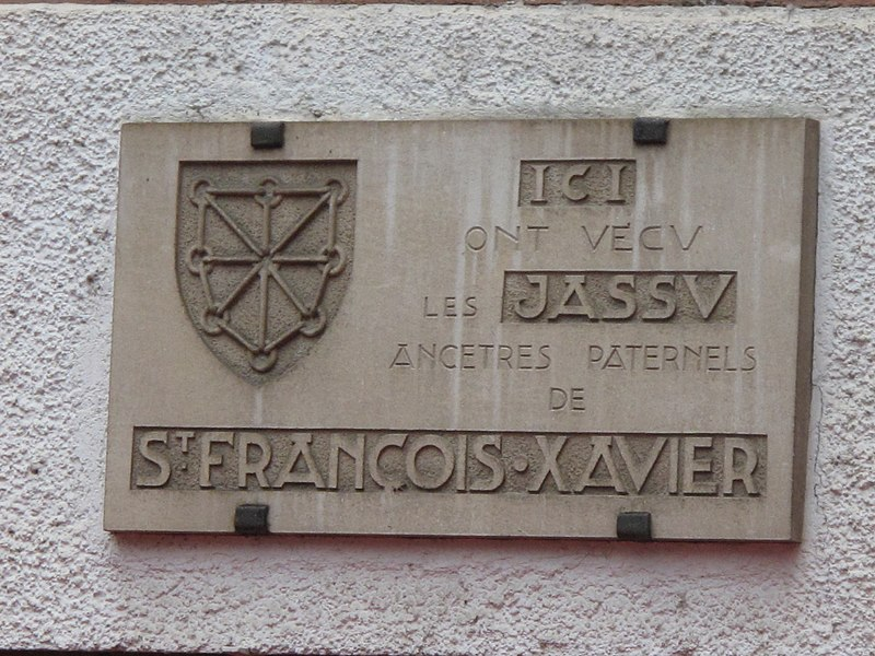 Plaque of the family Jassu, ancestorts of Francis-Xavier, Saint-Jean-Pied-de-Port, Pyrénées-Atlantiques, France