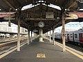 Platform of Tosu Station 8.jpg