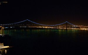 25 de Abril Bridge - The 25 de Abril Bridge at night.