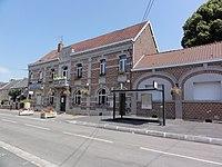 Préseau (Nord, Fr) mairie, poste, abri-bus.JPG