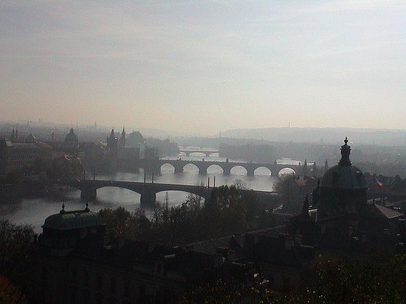 Image:Praha Bridges.JPG