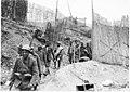 Premiers prisonniers autrichiens, dans les tranchées du mont Cucco - Médiathèque de l'architecture et du patrimoine - AP62T104638.jpg