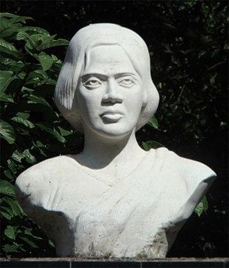 Pritilata Waddedar - A bust of Waddedar at Pritilata Waddedar primary school, Chittagong