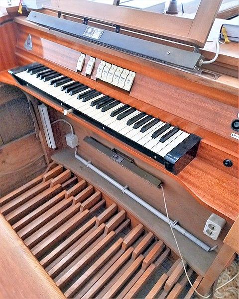 Datei:Putzbrunn, Alt St. Stephan (Schuster-Orgel) (1).jpg
