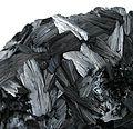 Pyrolusite-pyrol-10b.jpg