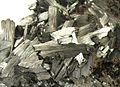 Pyrolusite-pyrol-2-19b.jpg