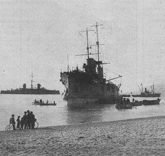Italian cruiser San Giorgio - San Giorgio after running aground in 1913.